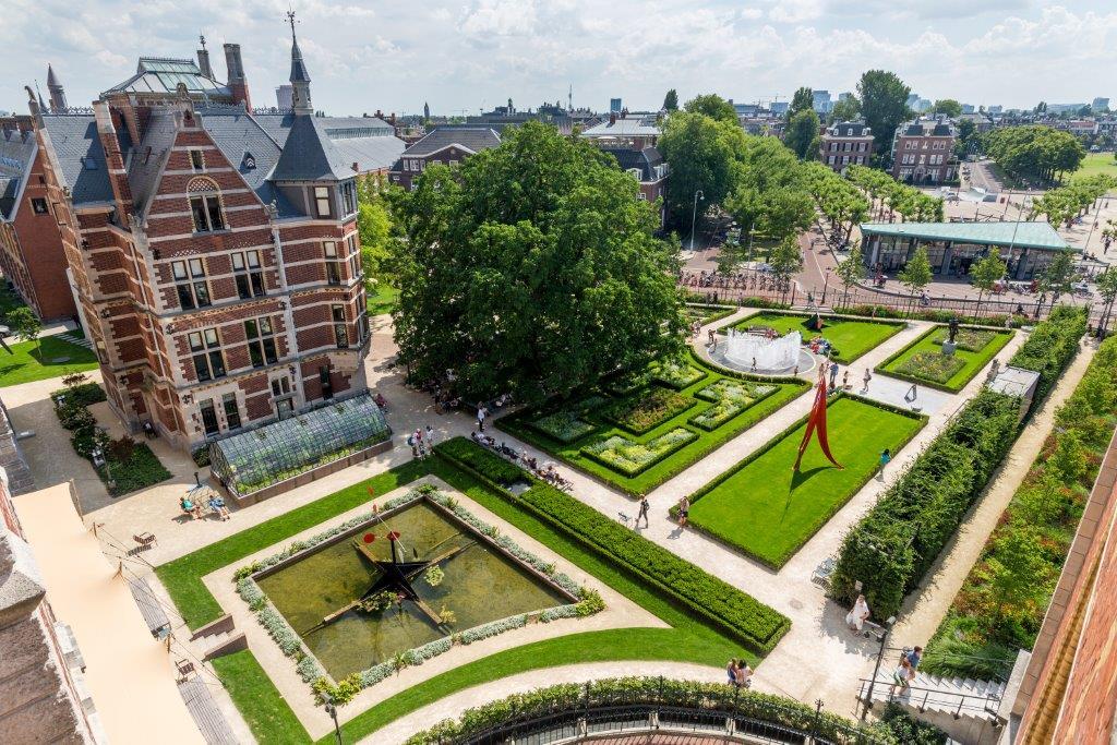 Copijn ontwerpt de groene buitenzaal van het Rijksmuseum. De renovatie vormde de aanleiding om de tuin te herpositioneren als onderdeel van het museum.