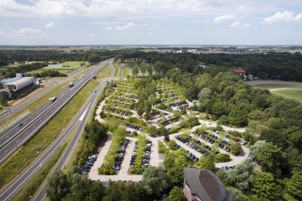 Zowel ontwerp als aanleg zijn begin jaren negentig door Copijn gerealiseerd. Copijn beheert de binnenbeplanting evenals het buitengroen sinds de aanleg.