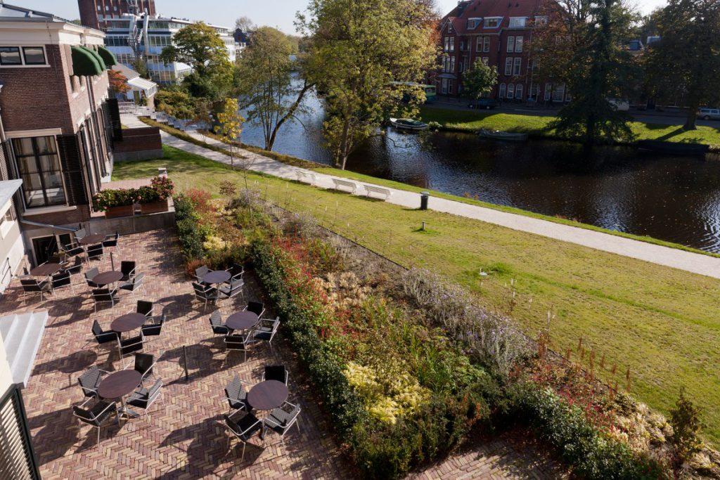 In Copijn's ontwerp voor de Hortus botanicus Leiden wordt het versterken van de singelstructuur centraal gesteld. De Sterrewacht wordt een blikvanger.